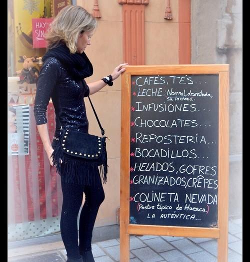 UN CAFÉ  EN HUESCA