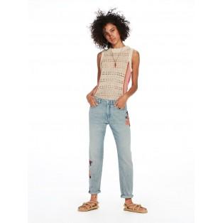 Pantalones con slim tapered fit