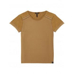 Camiseta con detalles de puntada de escalera
