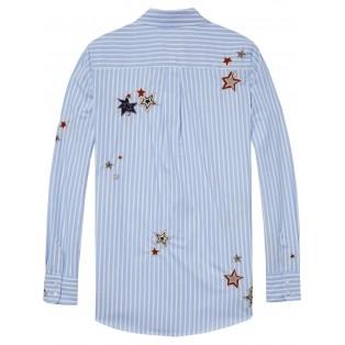 Camisa con estrellas bordadas