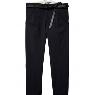 Pantalones con tapered fit